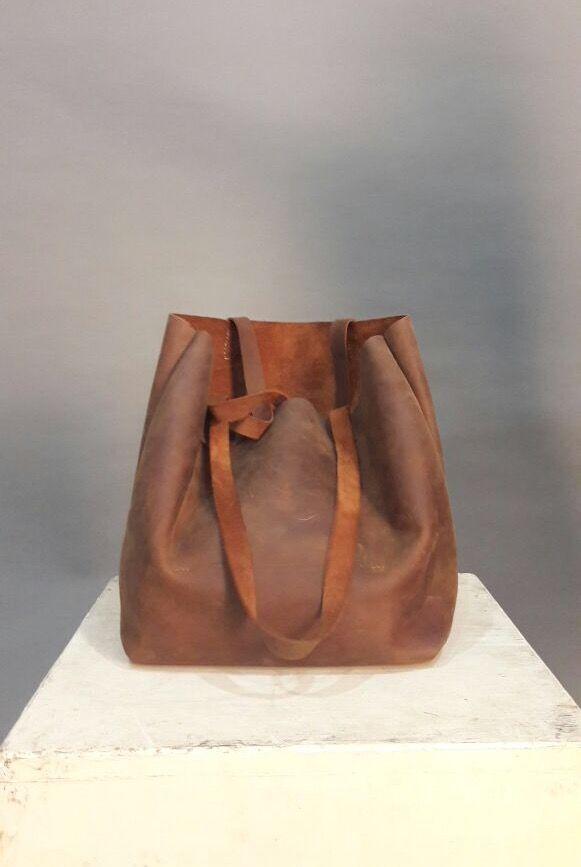 USD 70.00  Crazy horse leather bag, tote bag, leather craft. Dimension : 40cm x 7cm x 28cm