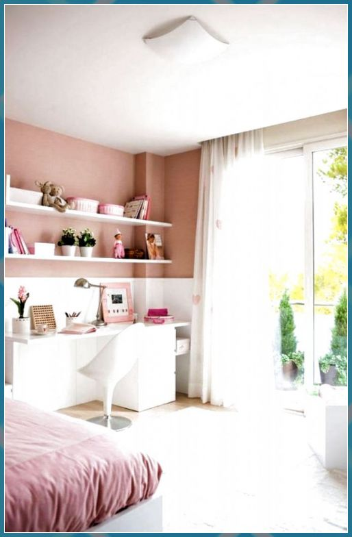 Teenage Girl S Blush Pink With White Bedroom Kleines