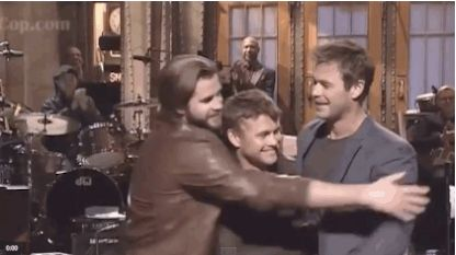 "AND THEY EMBRACED IN A HUG OF HEMSWORTH PROPORTIONS AND JUST LIKE THAT OVARIES AROUND THE WORLD EXPLODED. | Chris Hemsworth Brought His Brothers On ""SNL"" And There Was A Glorious..."