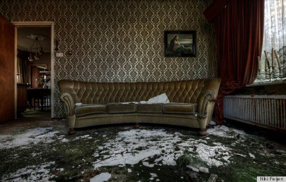 Inside Old Abandoned Mansions | Abandoned Mansion Features Upholstered Furniture, Pictures Still ...