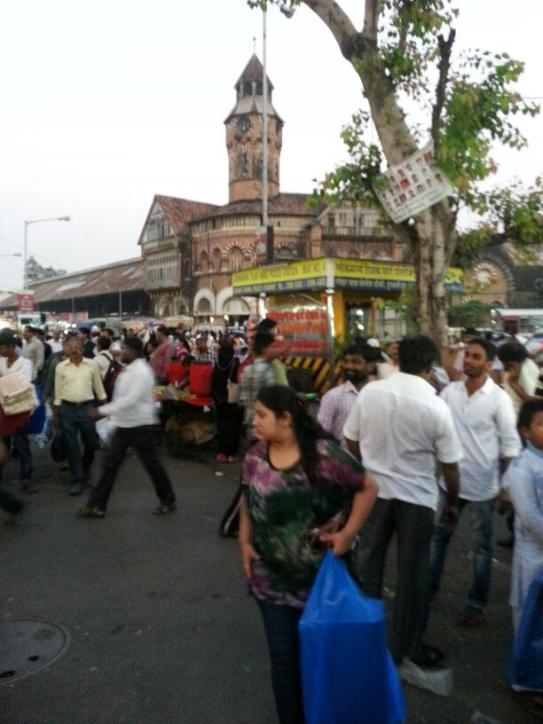 Crowded street outside Crawford Market. New Vasantashram is a minute's walk from this iconic Market in Mumbai, India