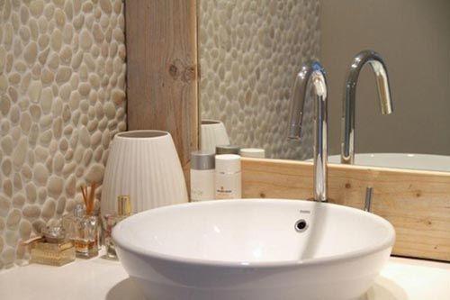 Serene badkamer met natuursteen