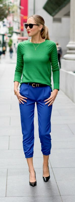 cobalt blue track pants with kelly green mixed rib knit sweater and patent leather black sjp collection pumps