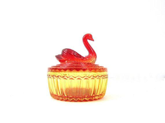 Cygne en verre Candy Dish avec couvercle oiseau poudre bol coupe verre bol plat vanité plateau bijoux ambre Orange rouge cygne oiseau Mid Century home decor