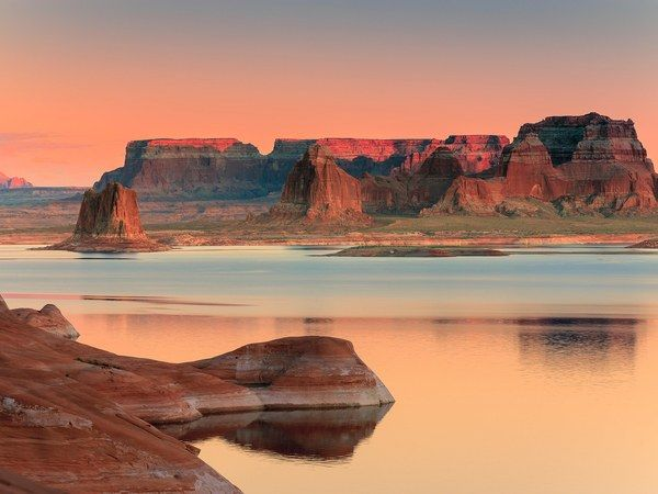 Sometimes Mother Nature creates beautiful things, and sometimes humans do it themselves. Case in point: Lake Powell, an impressive man-made reservoir in Utah and Arizona. Powell attracts millions of tourists every year, thanks in large part to its convenient proximity to natural bridges, dams, and Grand-ish canyons. If that's not enough to impress you, consider the fact that the lake served as a filming location for such films as Planet of the Apes (1968) and Gravity (2013).