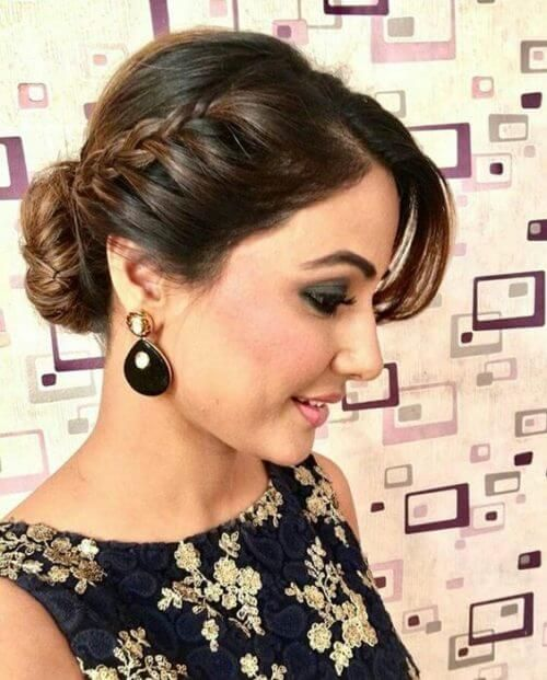 Hina Khan with homely side braid hairstyle
