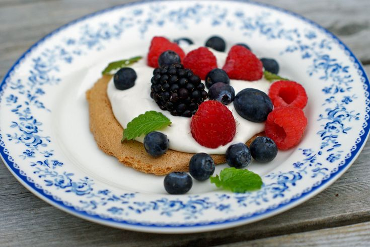 Marengskake med melkefri vaniljekrem – Berit Nordstrand