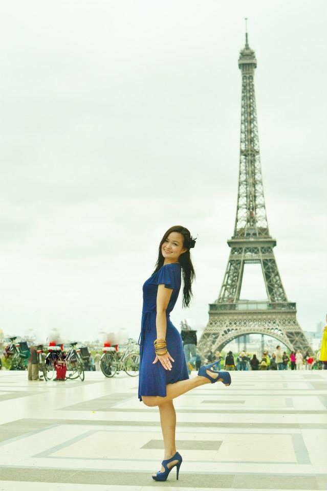 Eiffel Tower DIY engagement shoot