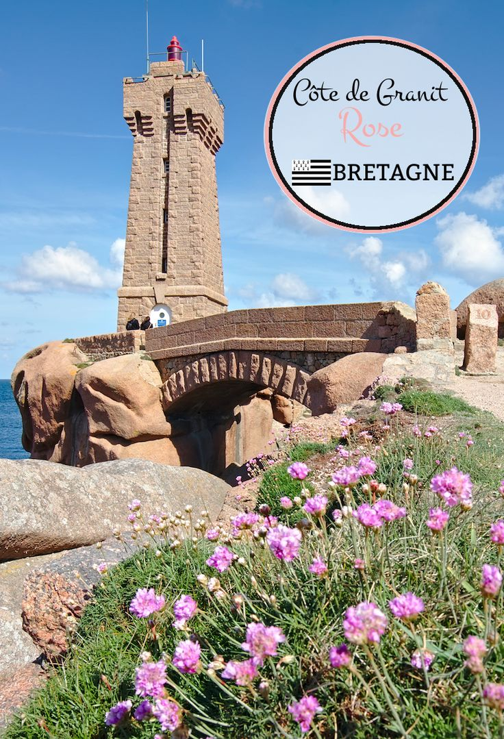 La côte de Granit rose en Bretagne. Un article pour vous faire découvrir ce magnifique coin des Côtes d'Armor avec notamment la petite ville de Ploumanac'h. Village élu village préféré des français en 2015!