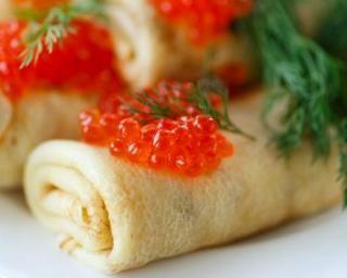 Crêpes crémeuses aux herbes et aux oeufs de saumon : http://www.fourchette-et-bikini.fr/recettes/recettes-minceur/crepes-cremeuses-aux-herbes-et-aux-oeufs-de-saumon.html