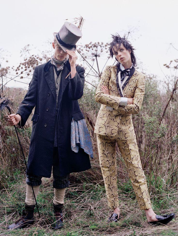 """Dressing Like The Dickens"", Vogue US December 2013, Photographer : Tim Walker, Fashion Editor : Grace Coddington, Hair : Julien d'Ys, Make-up : Stephane Marais, Model : Edie Campbell"