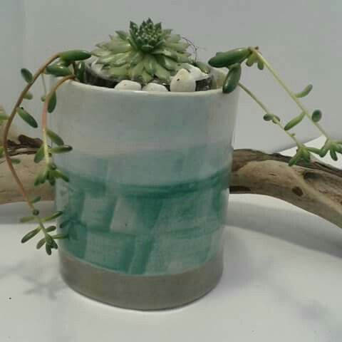 Ceramic planter by Inspired Hummingbird  #ceramics #pottery #clay #homedecor #planter #plantpot #succulents  https://m.facebook.com/story.php?story_fbid=10155136631189178&substory_index=0&id=530259177