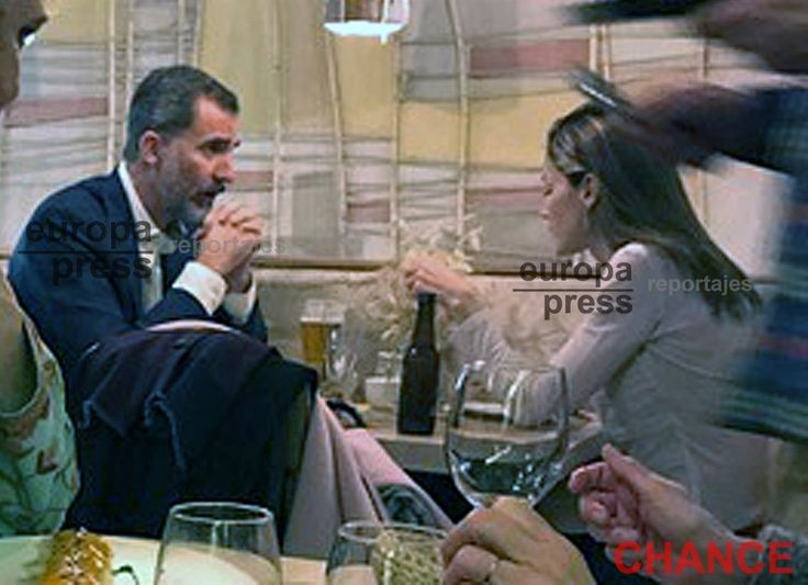 "Accompanied only by a pair of bodyguards, the King and Queen of Spain went last Saturday night to the Mama Campo restaurant, in the Plaza de Olavide in Madrid, after having enjoyed in the Callao cinemas the monologue ""Bytheway"" of the comedian Goyo Jiménez - with whom they already coincided , in 2015, on the occasion of the international competition of scientific monologues ""Famelab"" - and to walk quietly on the Gran Vía in the midst of the bustle of the people."