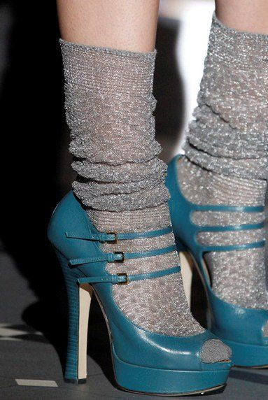 Socks & heels by DSquared2 at the Milan Fashion Week autumn/winter 2013-2014 shows Skarpetki i szpilki Super trend 2014 wg DSquared2