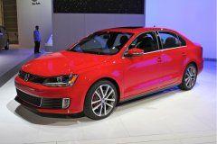 Новая трансмиссия и повышенная безопасность Volkswagen Jetta 2017