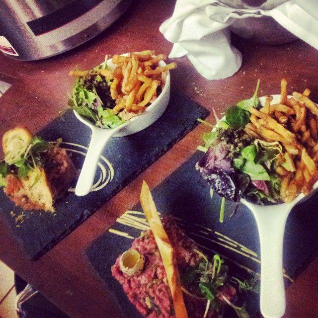 Tartare duo de saumon et tartre parisien … @rochocinco5 (at Le Petit Bouchon - Faubourg Boisbriand)