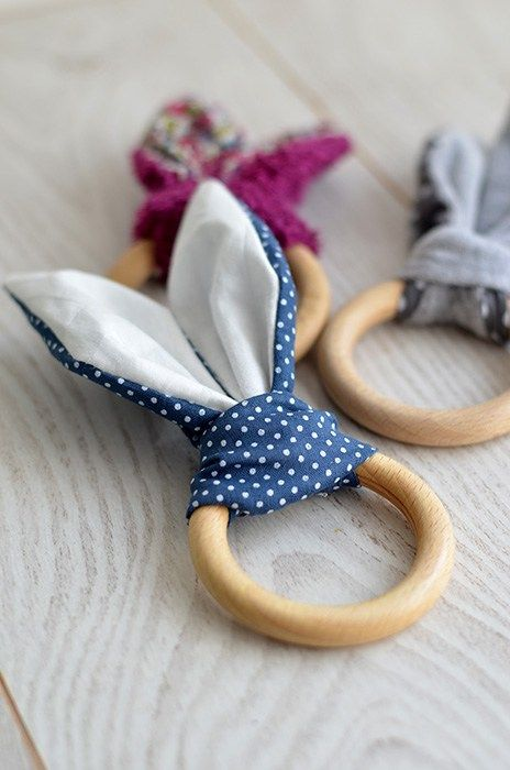 Les 25 meilleures id es de la cat gorie jouet pour lapin que vous aimerez sur pinterest jouets - Doudou facile a realiser ...