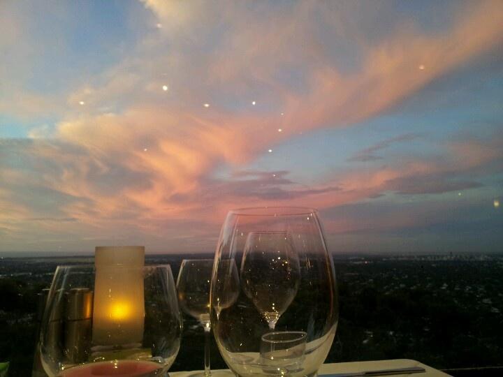 Spectacular sunset at Windy Point Restaurant, wonderful #vegan menu available :-)