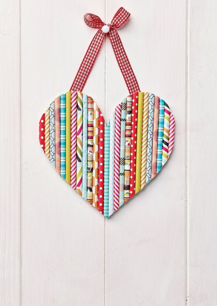 DIY Craft: 25 paper heart projects for valentines day, weddings, or just because. A handmade heart is an easy DIY craft tutorial idea.