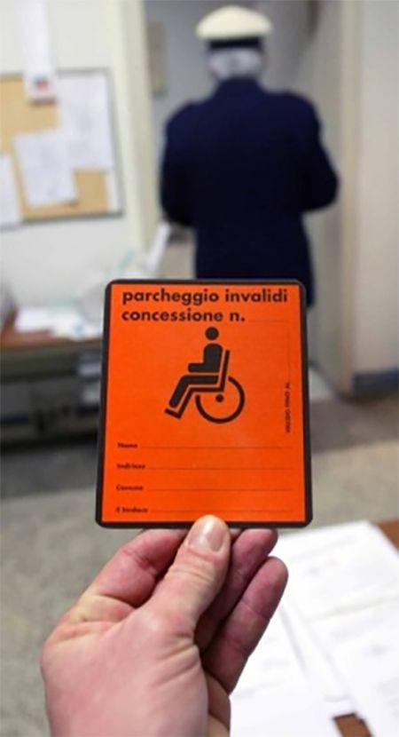 Casagiove. Anche se sei disabile paghi il parcheggio nelle strisce blu. Uno strano modo di intendere l'integrazione a cura di Redazione - http://www.vivicasagiove.it/notizie/casagiove-anche-disabile-paghi-parcheggio-nelle-strisce-blu-uno-strano-modo-intendere-lintegrazione/