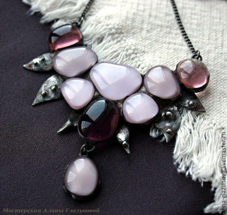 """Купить Колье """"Пыльная роза"""" - бледно-розовый, розовое колье, розовое стекло, колье тиффани"""
