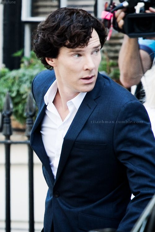 Sherlock, 8/21/2013, London, setlock. The man knows how to rock a suit, scarf or no scarf, that's for damn sure.