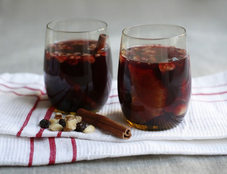 {Tipsy Christmas Cheer} Warm Christmas Glogg (red wine)