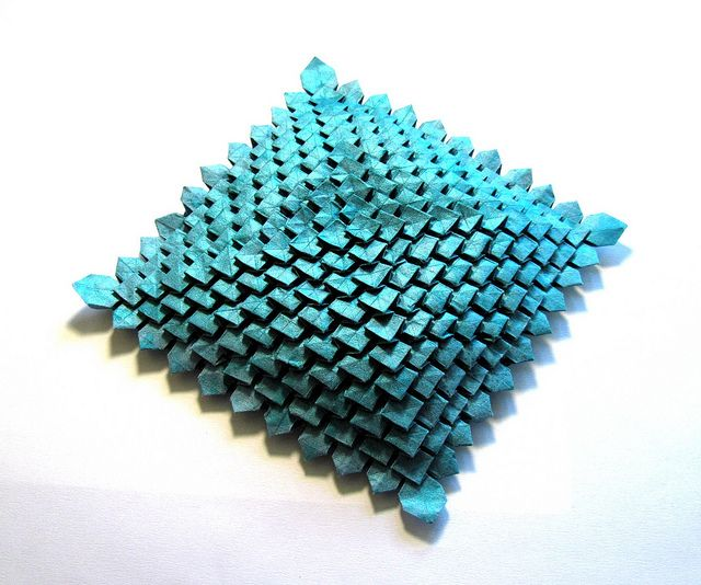 Origami tesselation designed by Shuzo Fujimoto. Try with 90 degree pleat intersectionsOrigami Tessalations, Tesselation Textiles, Origami Favorite, Origami Ideas, Tesselation Design, M S Origami, Group Origami, Origami Tesselation