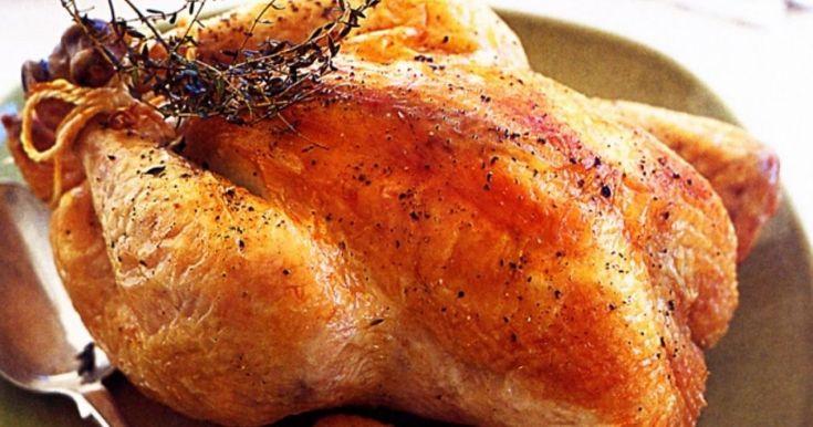 Cele mai bune condimente pentru carnea de pui. Prepararea cărnii de pui se regăseşte în orice carte de bucate, fiind extrem de simplu de pregătit. Fie că alegeţi să o gătiţi la cuptor, fie la gratar, condimentele sunt esenţiale pentru un preparat desăvârşit, chiar şi pentru cei mai puţin pricepuţi în bucătărie. Iar puiul se îmbină perfect cu o gamă largă de mirodenii. Vă prezentăm, aşadar, cele mai bune condimente pentru carnea de pui.