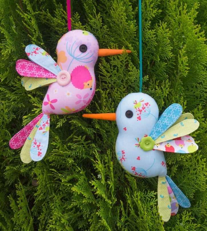 Hum Along Sewing Pattern featuring the Wildflower Meadow fabric collection. Pattern and Fabric designed by Melly & Me. Fabric manufactured by Riley Blake Designs. #humalong #melly&me #hummingbird #softie #sewingpattern #rileyblakedesigns #wildflowermeadow