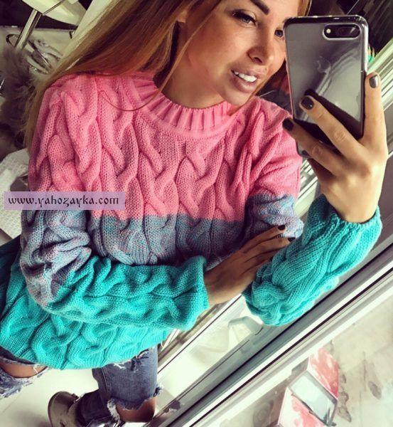 Стильный свитер в стиле Лало со схемами. Свитер красивыми аранами