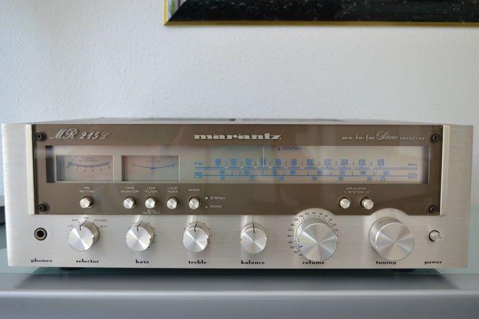 Marantz MR215L  Marantz MR 215 L in Zeer fraaie staat. Zowel technisch als optisch 100%.Specifications215215LTuning range: FM MWPower output: 21 watts per channel into 8Ω (stereo)Frequency response: 18Hz to 30kHzTotal harmonic distortion: 0.1%Damping factor: 42Input sensitivity: 2.8mV (MM) 180mV (line)Signal to noise ratio: 72dB (MM) 80dB (line)Output: 500mV (line)Semiconductors: 5 x IC 29 x transistors 19 x diodes 1 x FETDimensions: 440 x 137 x 358mmWeight: 9kg  EUR 27.00  Meer informatie