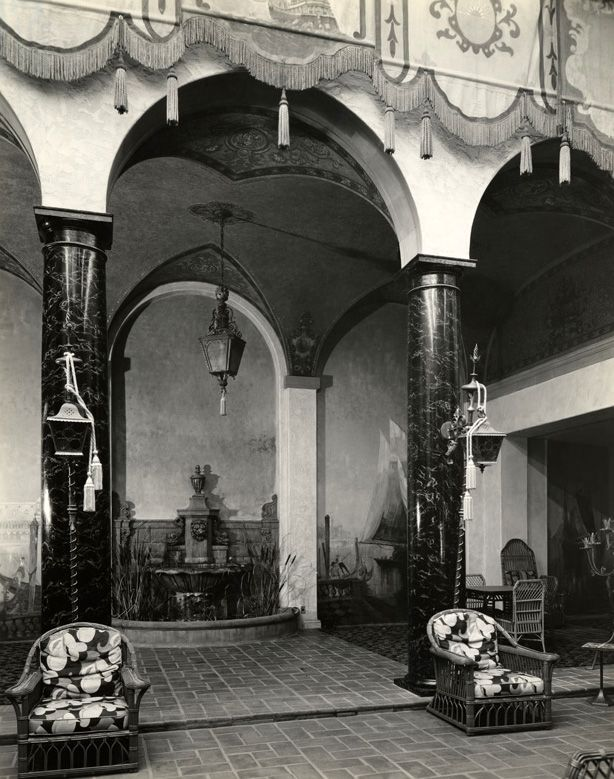 The Hollywood Knickerbocker's exotic Cortile Lido patio was the hotel's main party room during the Prohibition years. Los Angeles Public Library