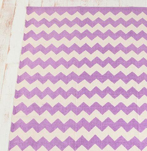 purple: Chevron Quilts, Chevron Patterns, Zigzag Prints, Prints Rugs, Geometric Rugs, Purple Chevron, Graphics Design, Capes Cod Collegiate, Chevron Rugs
