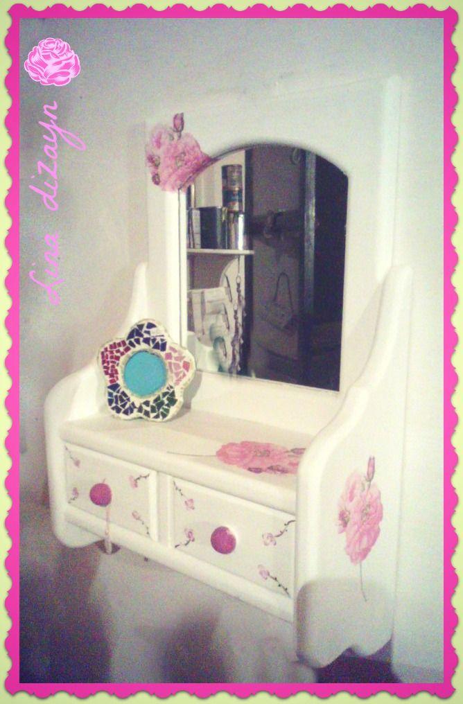 Espejo doble cajón, motivo rosas, técnica decoupage, estilo vintage. por: lina dizayn