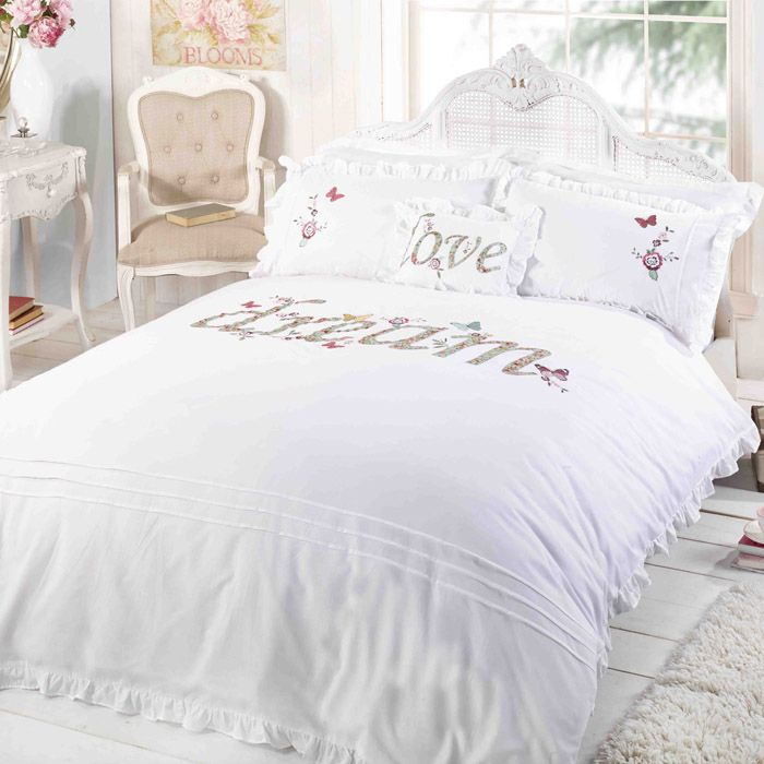Duvet cover set in white with a dream motif. These frilled duvet cover sets are lovely and simple. Cheap duvet cover sets from online UK sellers.