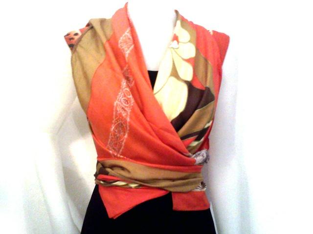 foulard vintage che diventa un gilet - A vintage scarves that becomes a vest  (http://www.facebook.com/#!/jsvintage