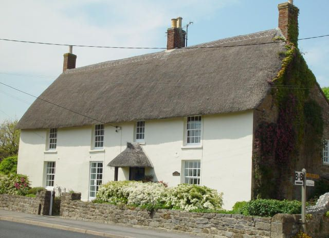 Park farmhouse chideock dorset england sleeps 17 - Dorset holiday cottages with swimming pool ...