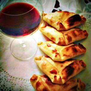 Empanadas and Vino - Best Foodie Experiences
