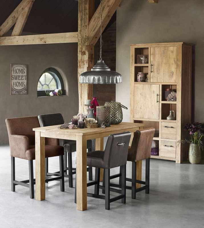Eetkamer met barkrukken Jordin | Voor meer informatie en de diverse mogelijkheden kijkt u op www.prontowonen.nl #ProntoWonen #stoelen #woonkamer #eetkamer #interieur #prontowonen #droomwoonkamer