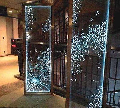 エッチング ガラス モニュメント パーティション 光