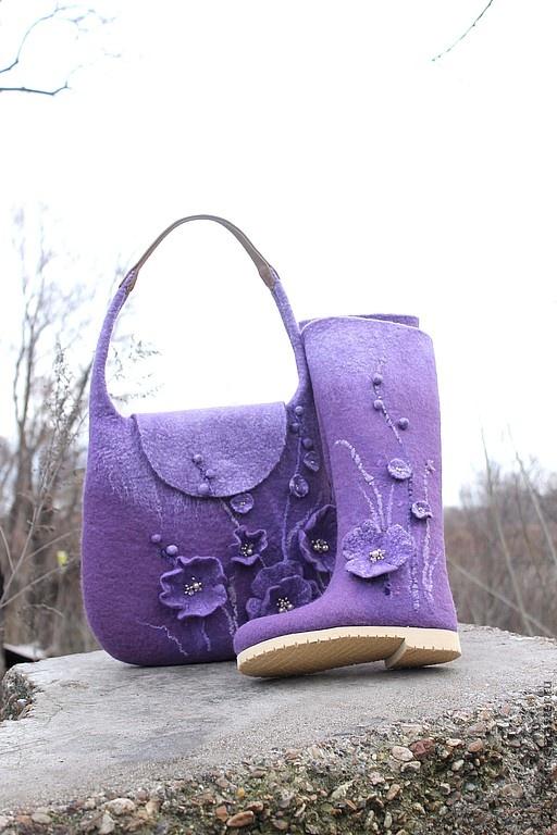 """Zapatos hechos a mano.  Feria Masters - botas de fieltro hechos a mano y una bolsa de """"Amethyst"""".  Hecho a mano."""