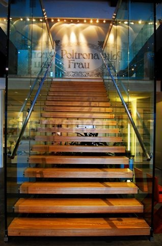 POLTRONA FRAU show room stairs with lighting http://www.stairs-siller.com/design-stairs/