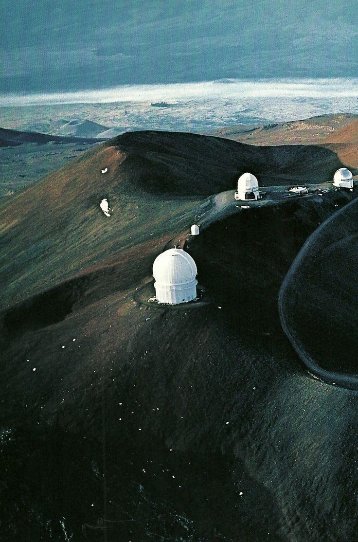 Cluster of observatories atop Hawaiis Mauna Kea volcano National Geographic   June 1983