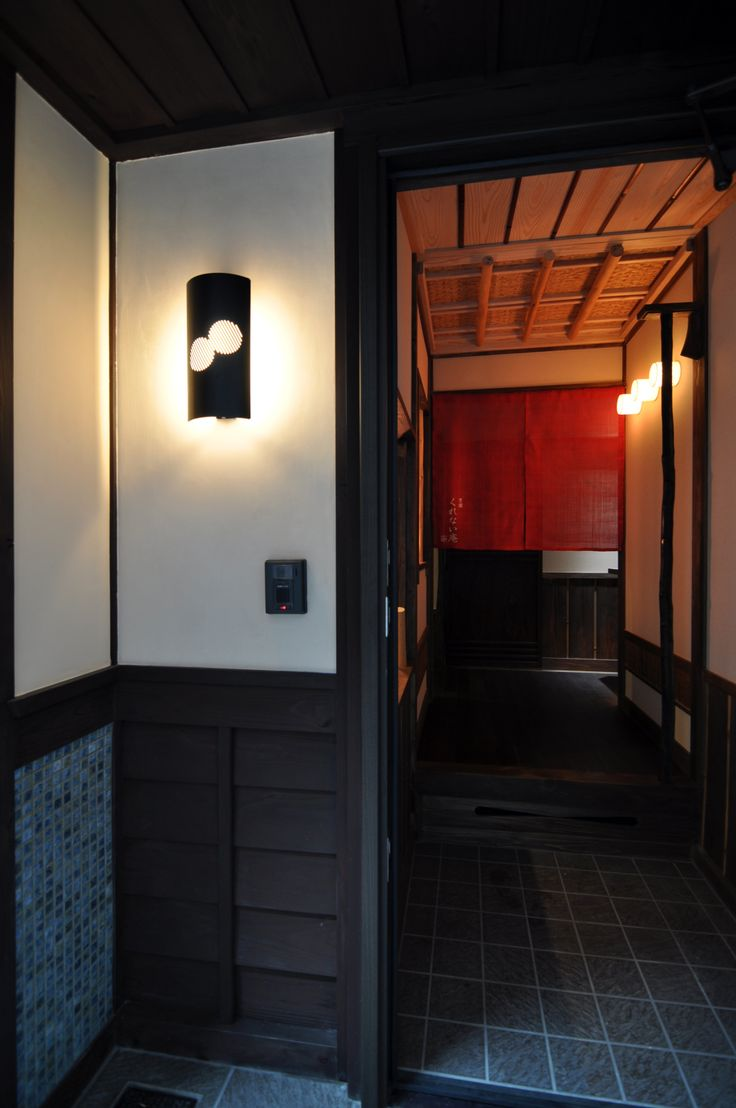 京都の伝統家屋 町家の貸切の宿 豊園くれない庵_玄関 kyoyadoya Japan kyoto machiya inn
