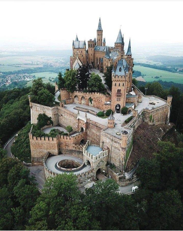 Schloss Hohenzollern In 2020 Burg Burgen Und Schlosser Festungen