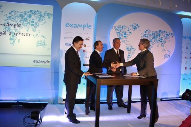 Assinatura do Protocolo E-Xample, Ministério Negócios Estrangeiros, Ministério da Educação, Ministério da Economia.