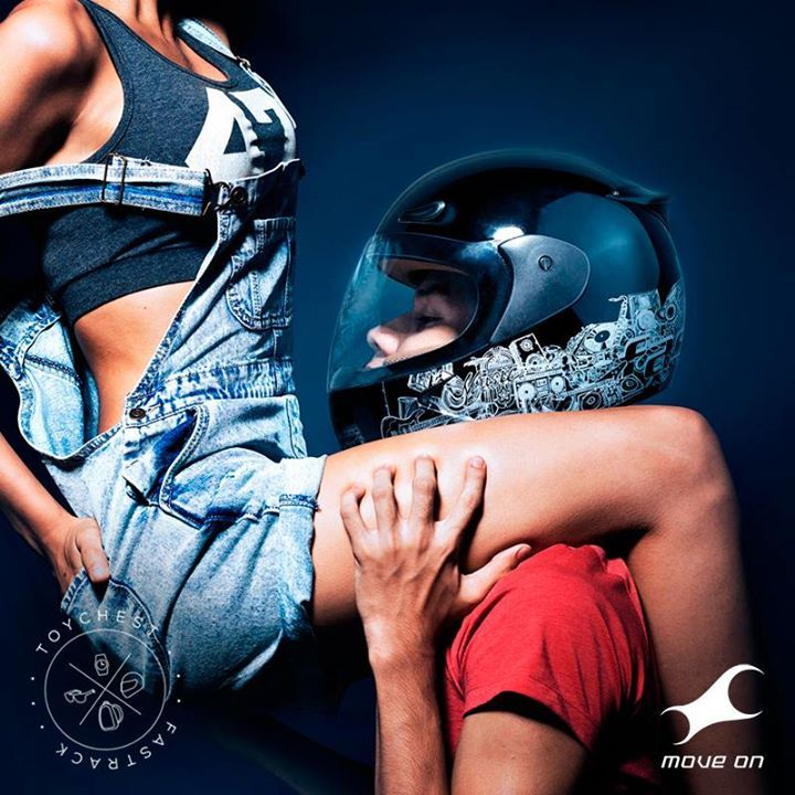 Any side up. #Toychest http://fastrack.in/products/helmets/sku-hc01bk04/