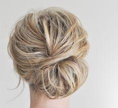 Zelfs met dun, weinig en kort haar creëer je in een handomdraai een prachtige lage Chignon knot a la Lauren Conrad voor iedere gelegenheid.