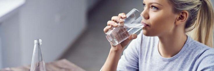 Een tijd terug zag ik mensen in mijn omgeving die alleen maar warm water drinken. Ik vroeg waarom ze dit deden en ik kreeg als antwoord dat het gezond is. Hieronder beschrijf ik de voordelen va
